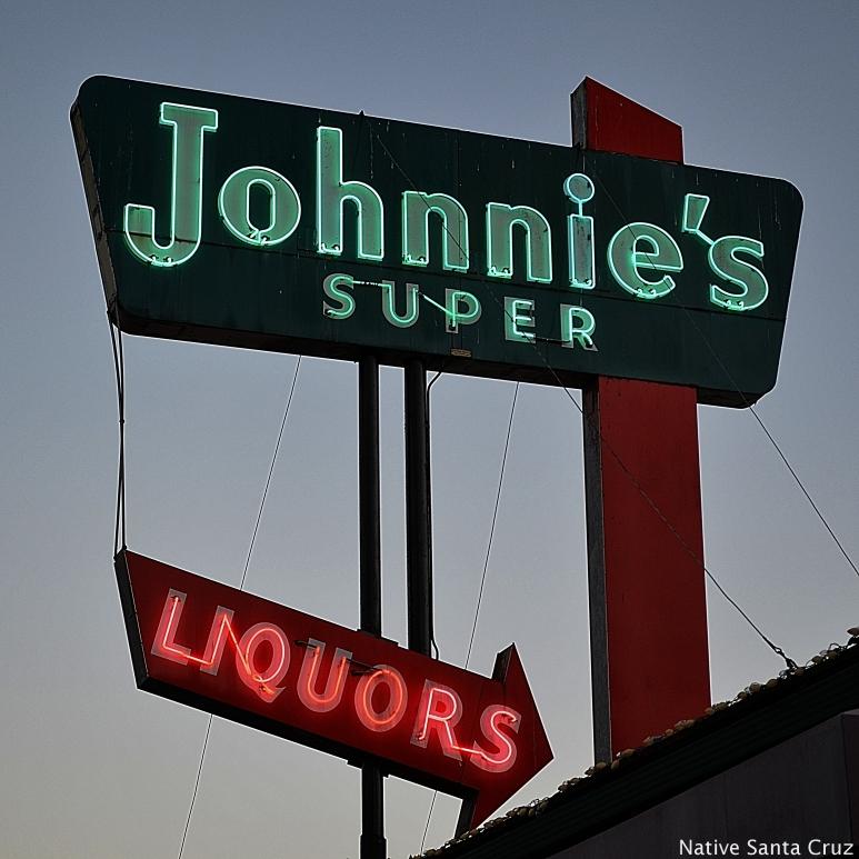 Johnnie's Super